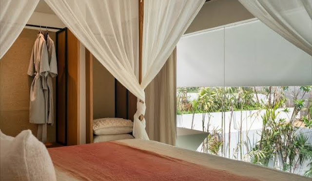 best luxury hotels in bali, best hotels in bali for couples, amankila bali, where to stay in bali, four seasons bali, bali, indonesia, best beach hotels bali, best resorts in bali, viceroy bali, best place to stay in bali for couples, bali honeymoon, best airbnb in bali for honeymoon, bali honeymoon on a budget, bali hotels, best hotel in ubud for honeymoon, what to do in bali for honeymoon