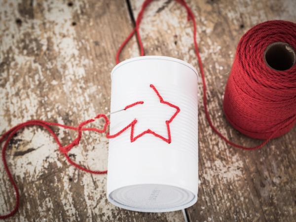 Wie man aus Konservendosen Deko zu Weihnachten bastelt | by titatoni