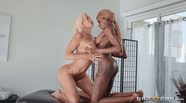 Nicolette Shea and Kinsley Karter
