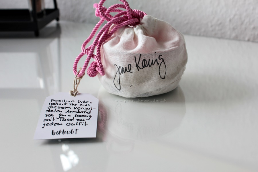 Blogger Box #edition travel the world - www.josieslittlewonderland.de - jane koenig vergoldetes armband, bracelet, jewelry