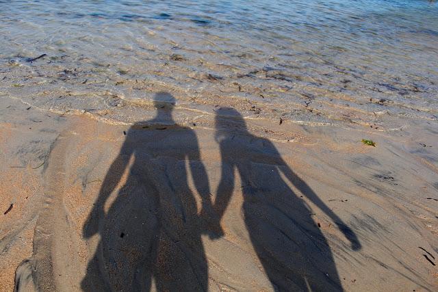 Nuestras sombras en Sanur Beach (Bali)