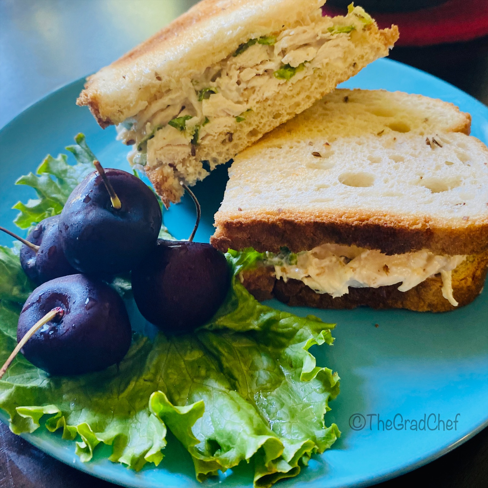 CHICKEN AND MAYO SANDWICH