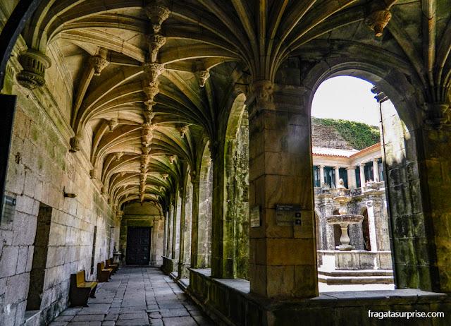 Claustro principal da Igreja de São Gonçalo de Amarante, Portugal