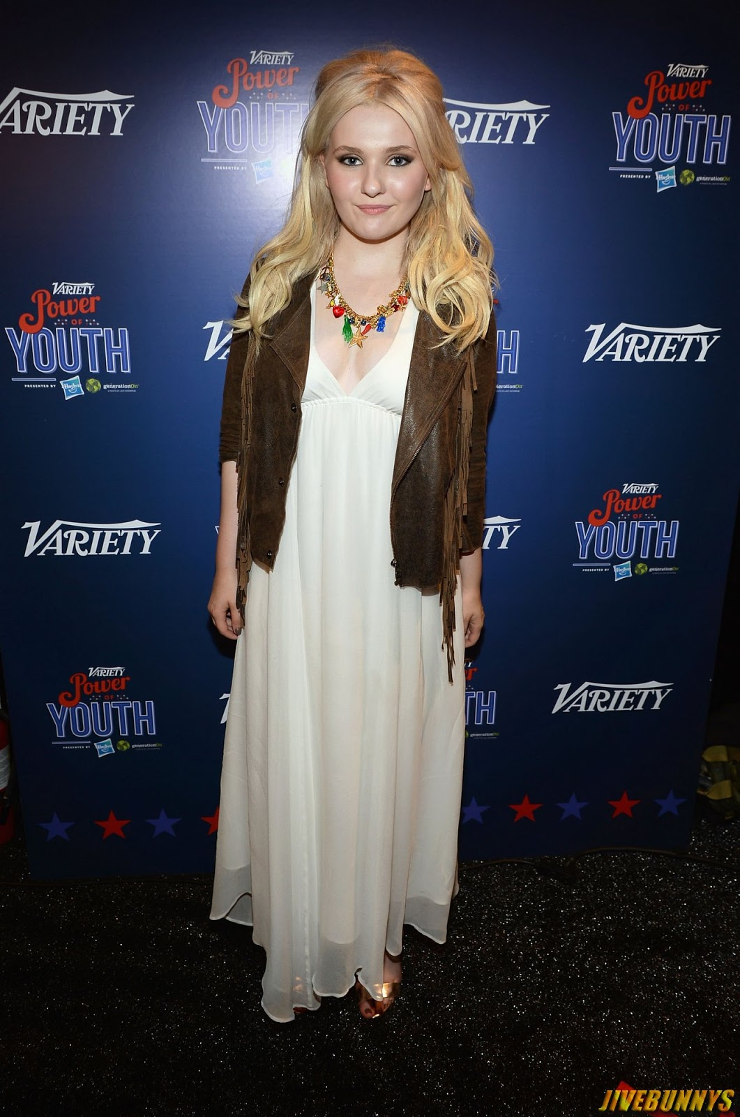 Abigail breslin sexy images gallery long white skirt