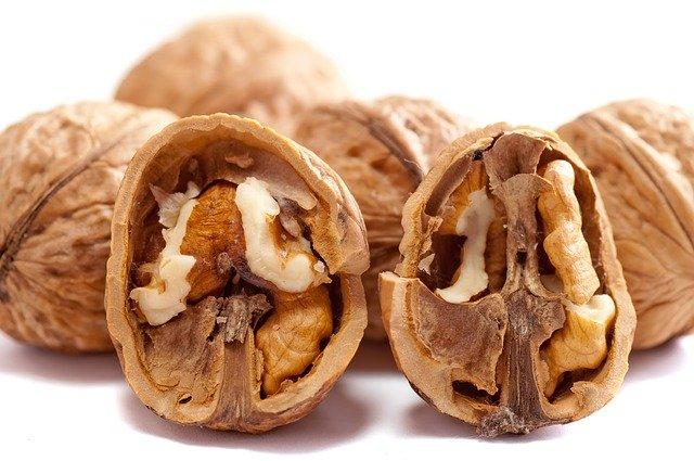 Akhrot| walnut in Hindi,Akhrot ke Fayde.