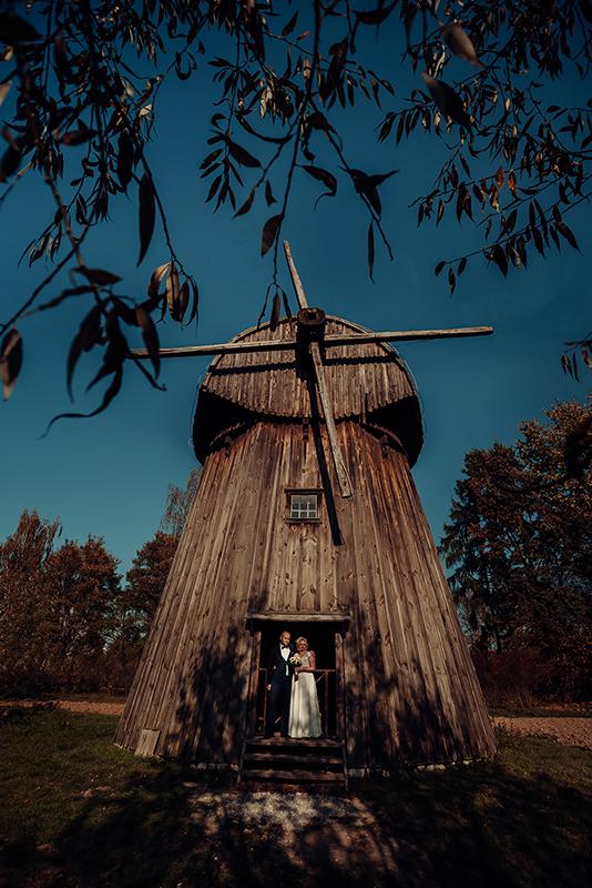 sesja ślubna, skansen, Lublin, fotograf ślubny, młyn, Muzeum Wsi Lubelskiej