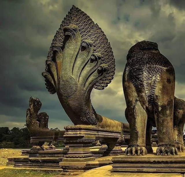 हिंदू धर्म के ईश्वर श्री विष्णु।