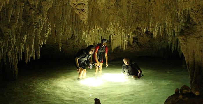 cenote en riviera maya, Chaak Tun, Playa del Carmen, Riviera Maya, Tour de cenotes, Península de Yucatán,