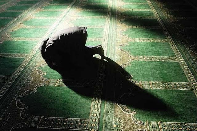 Image result for 10 Jenis Solat Yang Tidak Diterima Allah. Baca Supaya Ibadah Solat Kita Tidak Sia-Sia!