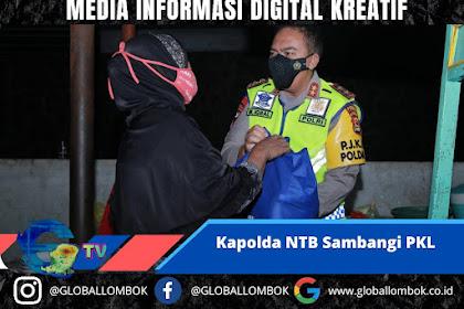 Kapolda NTB Sambangi PKL Bagikan 500 Paket Sembako