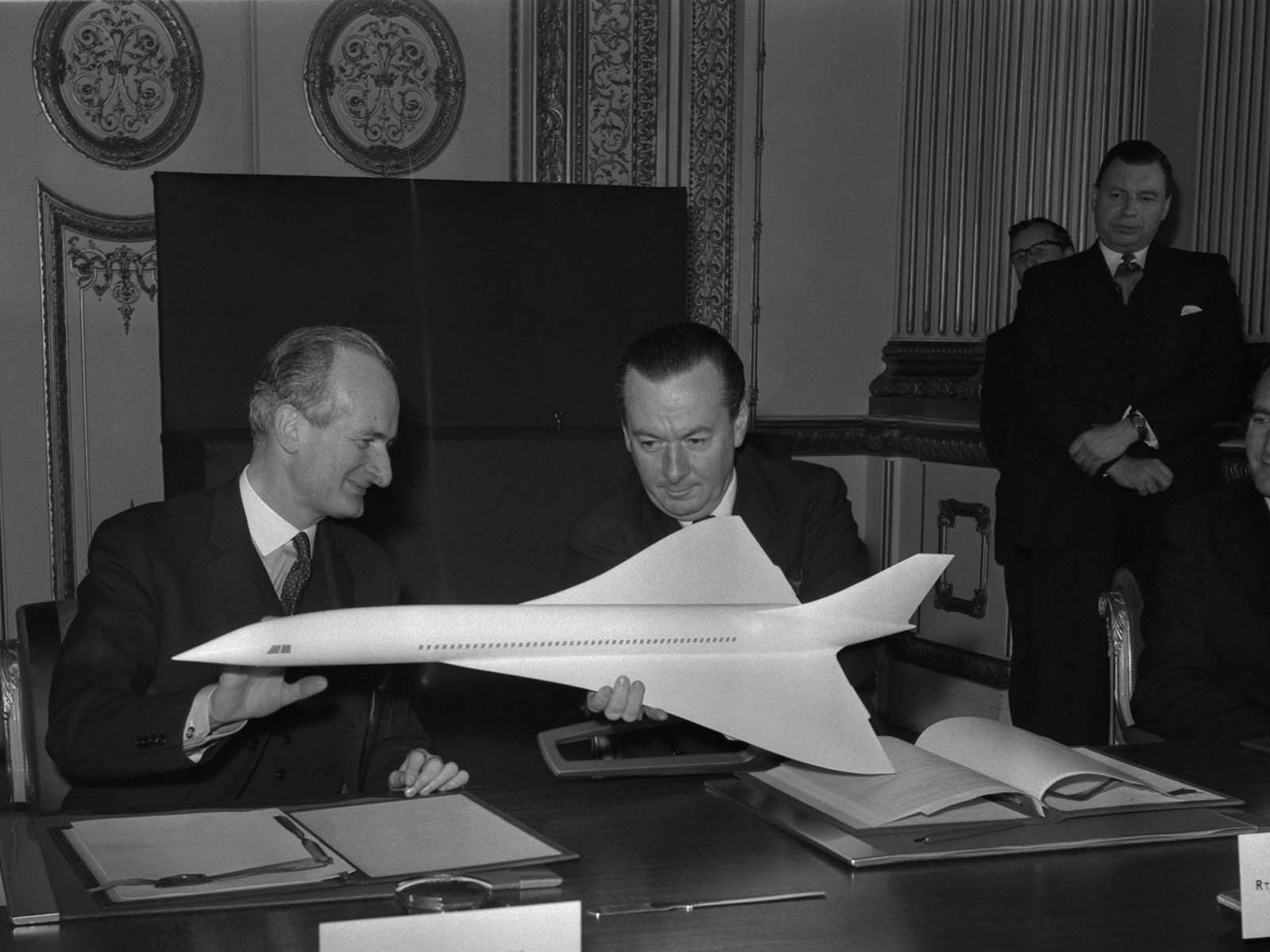 On November 29, 1962, the governments of France and Great Britain signed a concord agreement to build a supersonic jetliner, hence the name of the plane that resulted: Concorde.