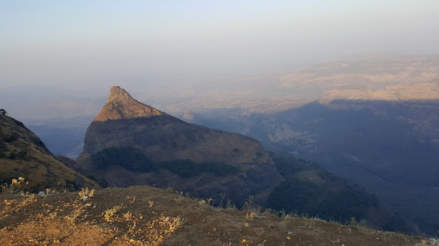 10 Best Things To Do In Lonavala, tiger hills, tiger leap
