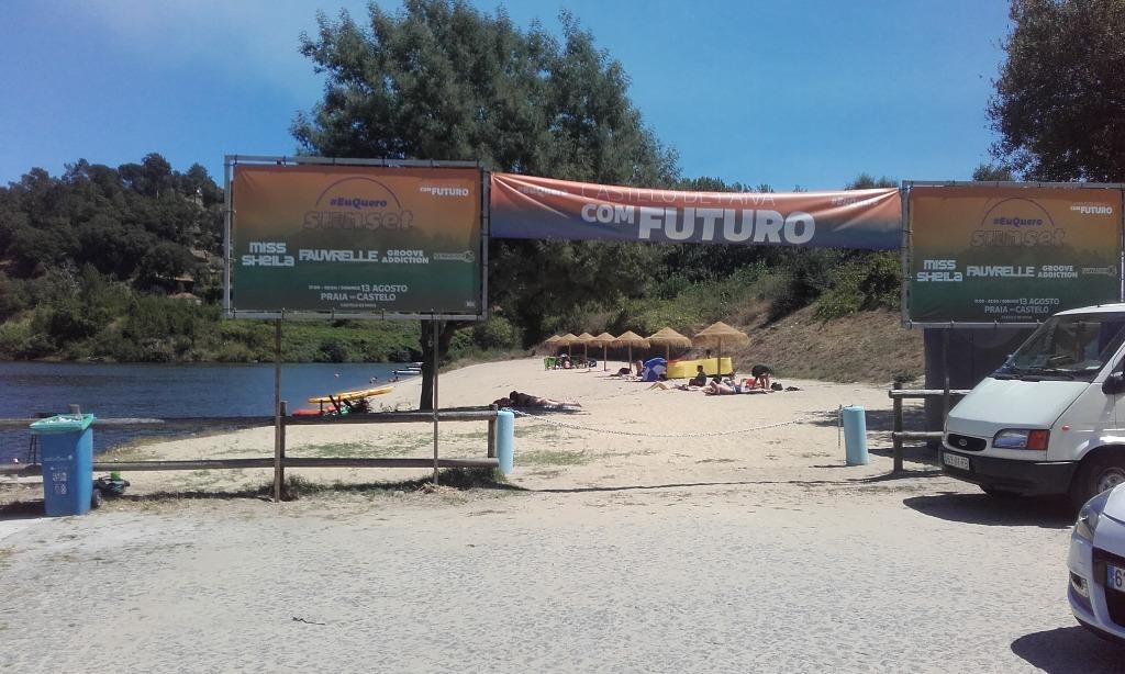 Entrada da Praia Fluvial do Castelo