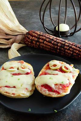 mini pizzas that looks like mummies
