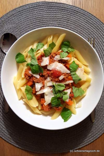 Penne mit Bolognese-Sauce