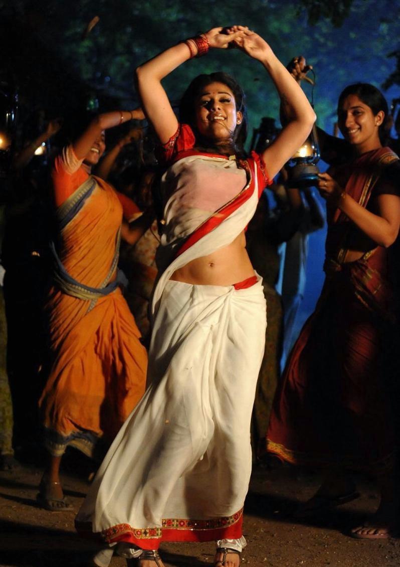 Nayantara Navel Show Photos In White Saree