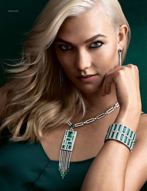 Karlie Kloss Hot Photo