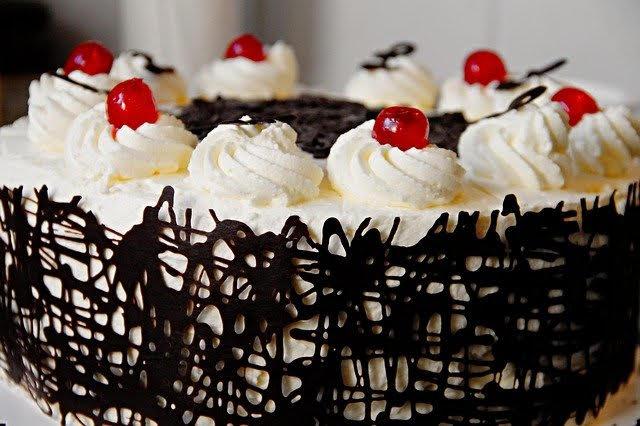 5 Helpful Cake Baking Tips & Tricks For Beginners