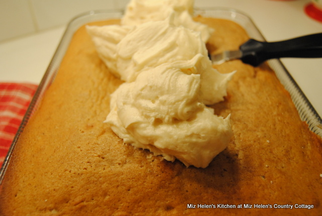 Nana's Spice Cake Recipe at Miz Helen's Country Cottage