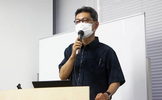 講義をする水間医師