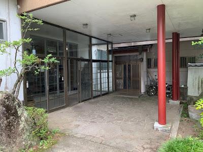 新菊島温泉ホテルの玄関口