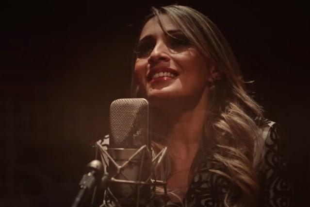 """Denyse Bittencourt lança clipe """"Cura-me"""", capítulo final do projeto """"Piano e Voz"""""""