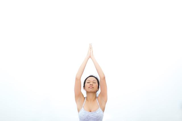 equilibrer-chakras-goldandgreen-medittion