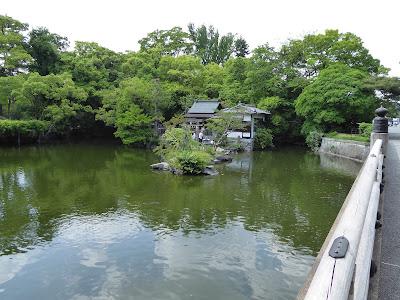 京都御苑 九條池 厳島神社
