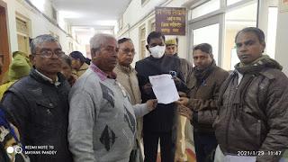 जन नायक कपूरी ठाकुर को भारत रत्न सम्मान  देने के लिए डीएम को दिया ज्ञापन