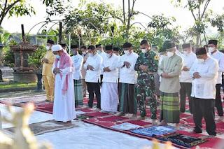 Gubernur dan Wakil Gubernur Sumut Melaksanakan Salat Iduladha di Rumah