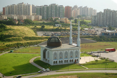 Achmad Noe'man arsitek 1000 masjid dari Garut