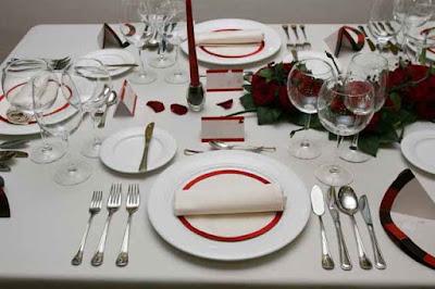 Hình ảnh setup dao muỗng nĩa trong tiệc buffet