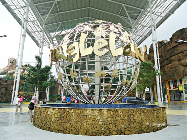 Salah satu tempat wisata keluarga di JungleLand Adventure Theme Park Bogor