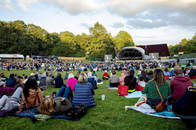 Puccini: Tosca - ENO at South Facing Festival (Photo Lloyd Winters)