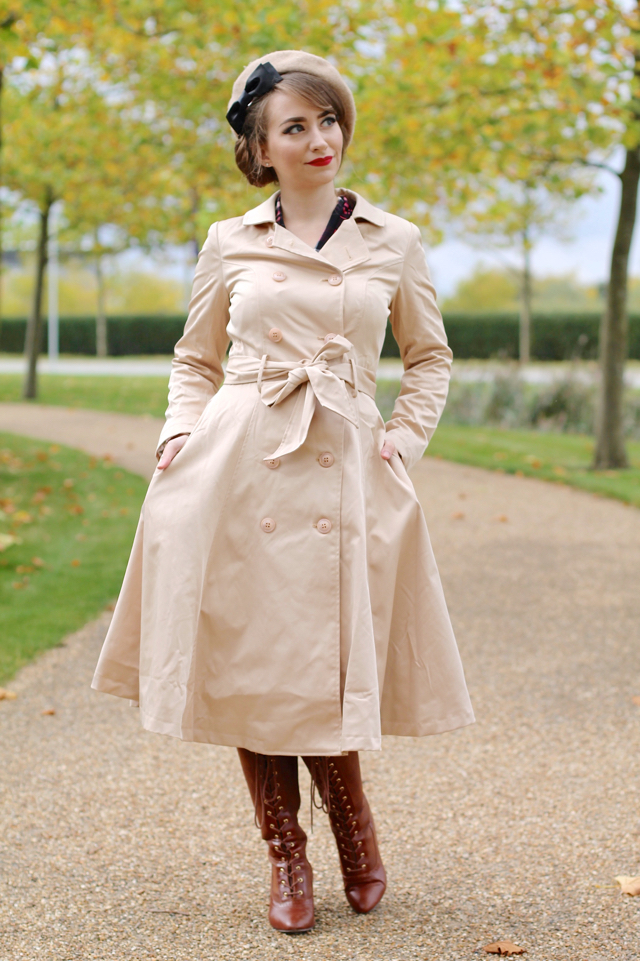 Korrina trench coat by Collectif in beige