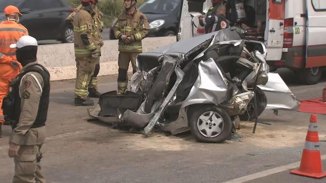 Acidente entre carreta e carro deixa um homem ferido no Anel Rodoviário de BH