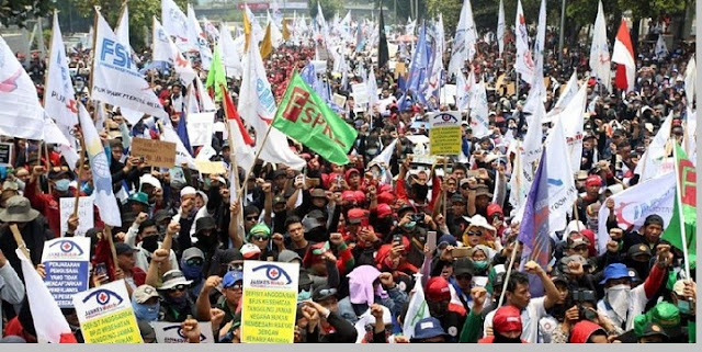 Demo buruh di DPR terbaru - pustakapengetahuan.com