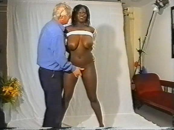 Takoradi Ashawo Girl Getting Fucked By A White Nigga-Promohitz