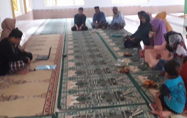 Prihatin Kasus DBD di Desa Labotto, KKN UMI Makassar Gelar Penyuluhan