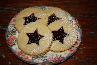 biscuits filled with jam