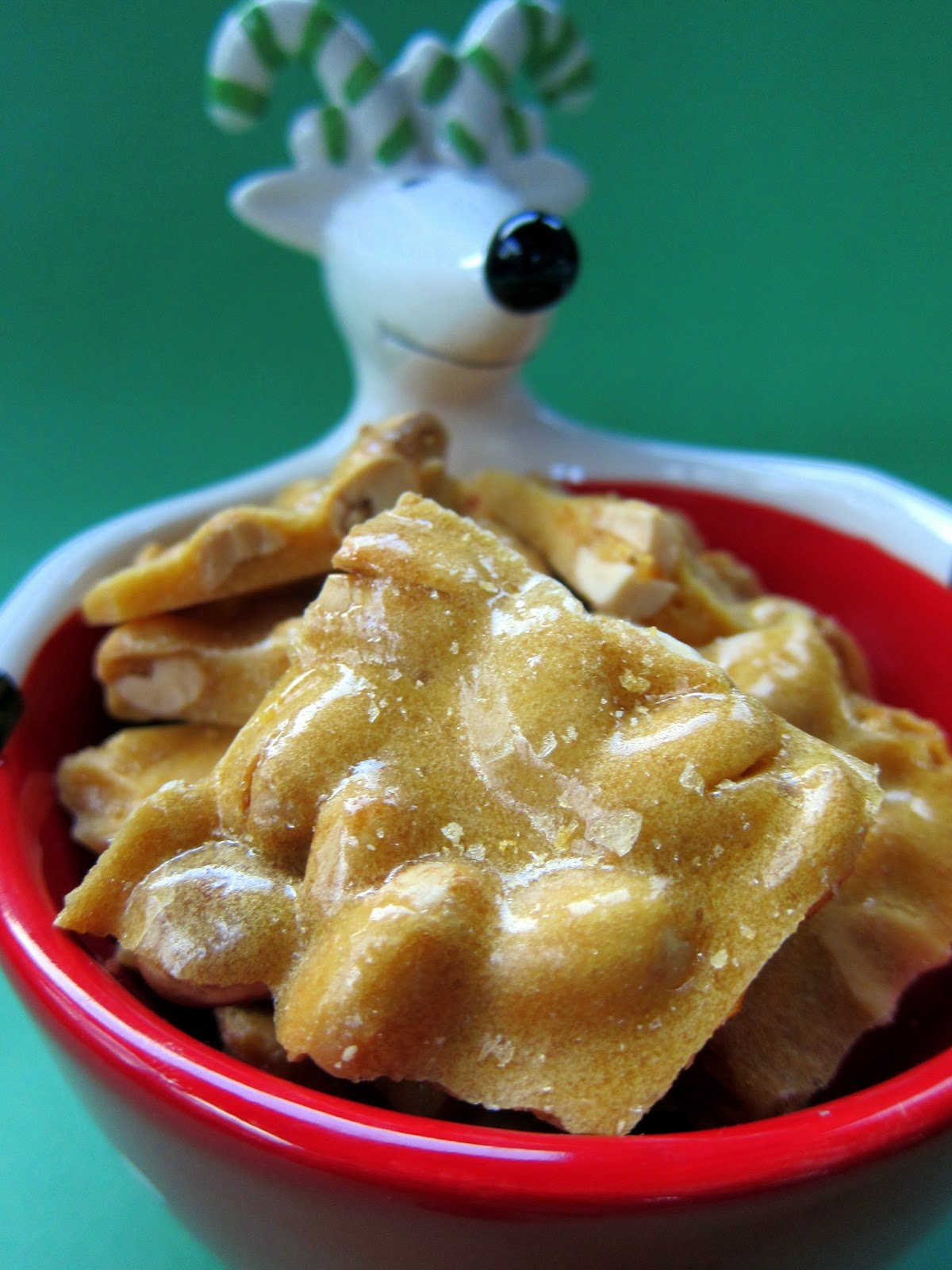 Microwave Peanut Brittle No Candy Thermometer Required Only 6 Ings Peanuts Sugar