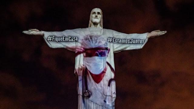Το Άγαλμα του Χριστού στη Βραζιλία με πορτραίτα νοσοκόμων και γιατρών
