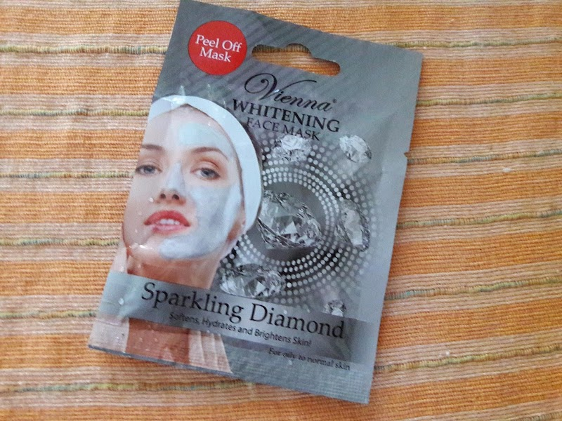 Review : Vienna Whitening Mask Sparkling Diamond Peel Off