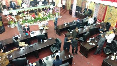 Diwarnai Kericuhan, Rapat Paripurna DPRD Kabupaten Solok