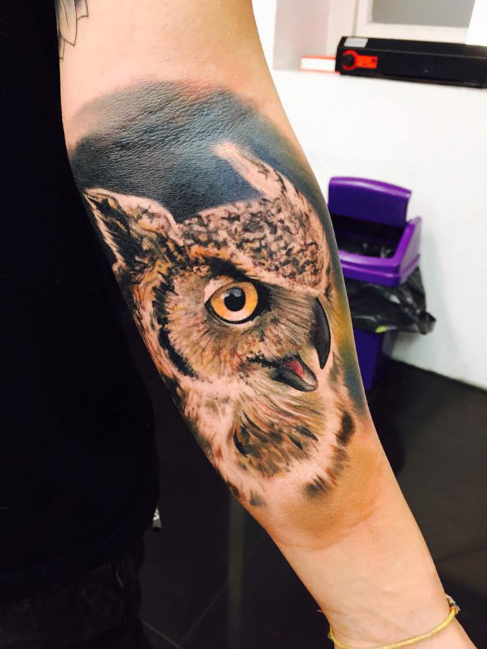 15 mysterious owl tattoo designs meanings awesome tat. Black Bedroom Furniture Sets. Home Design Ideas
