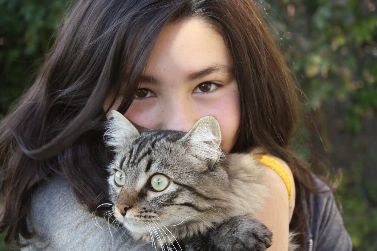 Raquel con nuestro gato