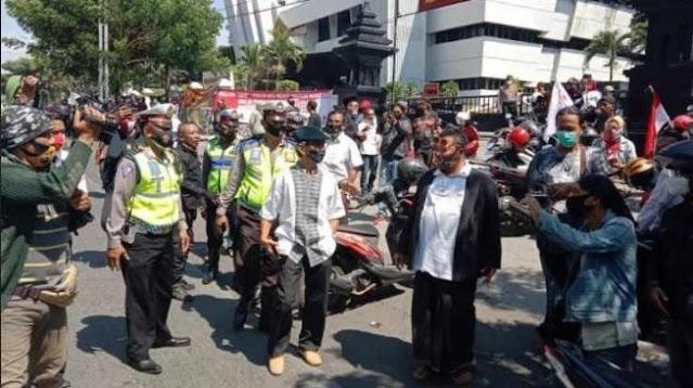 'Surabaya Adalah Kita' Tolak Deklarasi Kami di Gedung Juang 45 Surabaya