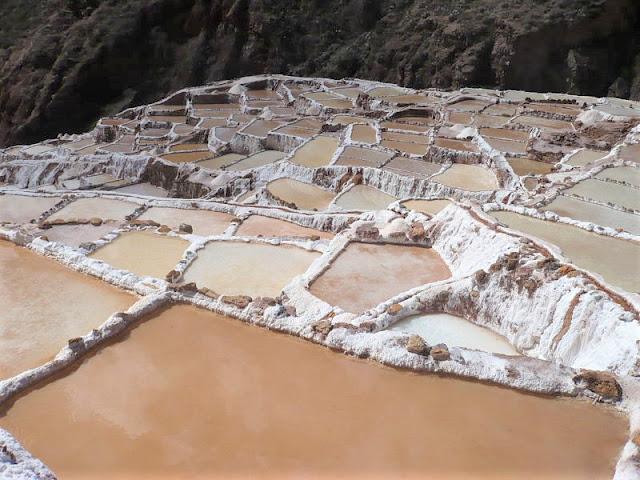 salina di maras in perù