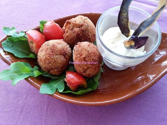 Polpette di melanzane e salsicce - Eggplant and sausage meatballs