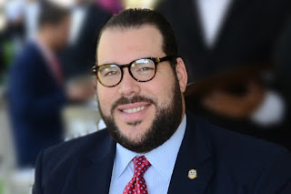 """VA' FEA LA COSA!!! Tras gestión de Víctor Gómez Casanova faltan 65 vehículos en registros de Autoridad Portuaria. """"El Internacional"""""""